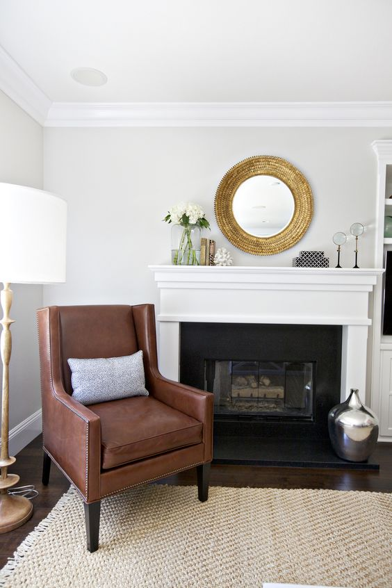 Gold mantelpiece decor