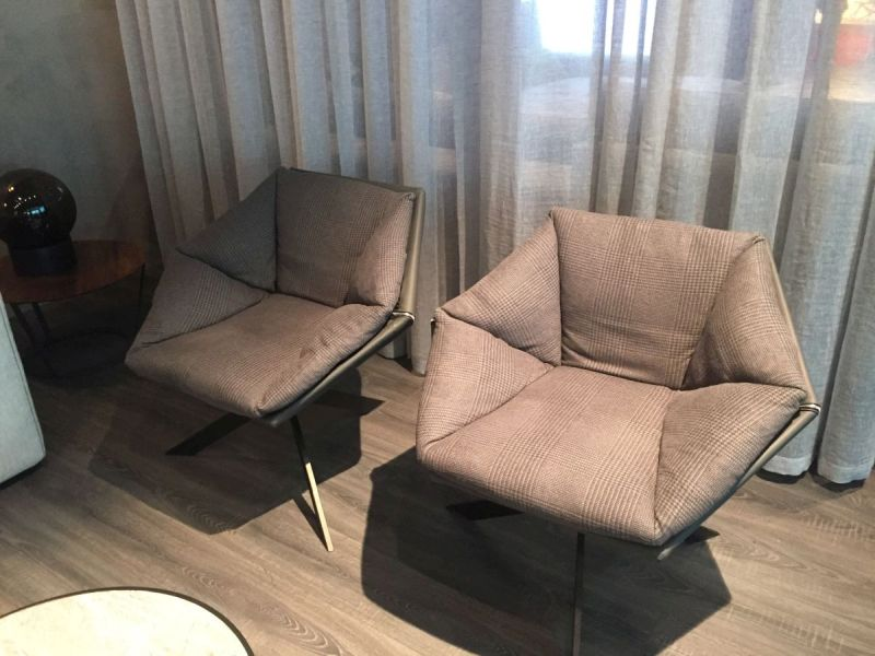 Grey large chairs for living room & How To Properly Choose And Use The Living Room Chairs