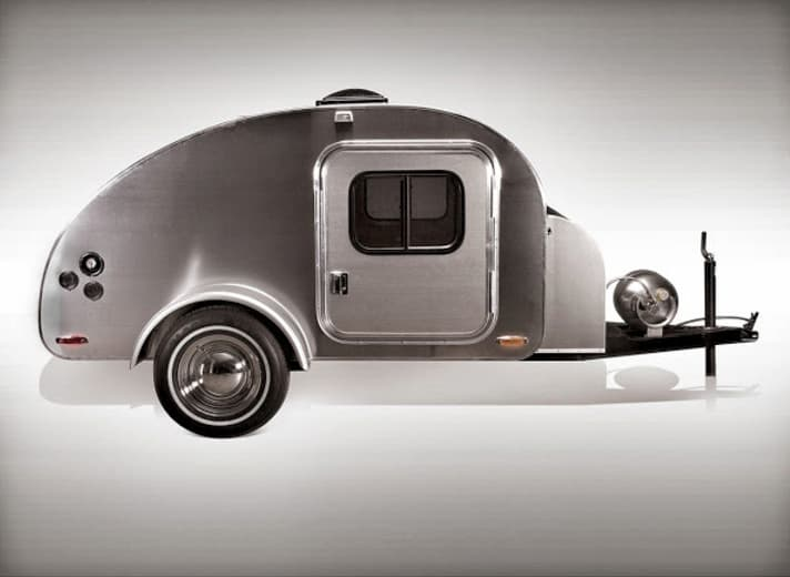 High camp teardrop trailer