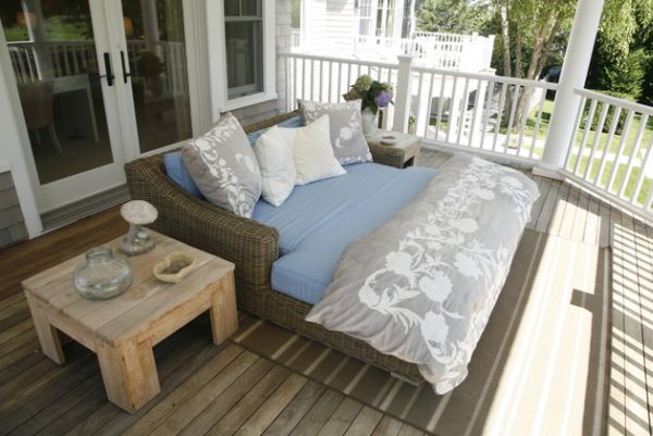 Large rattan porch bed