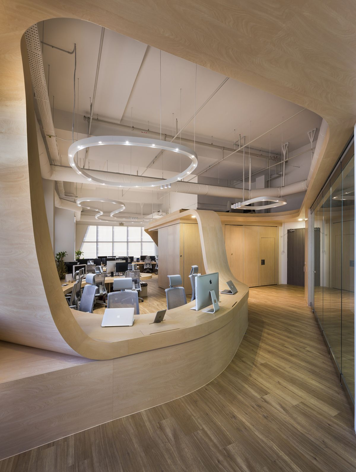 hulu corporate office share. Curved Office Desks. Desks N Hulu Corporate Share