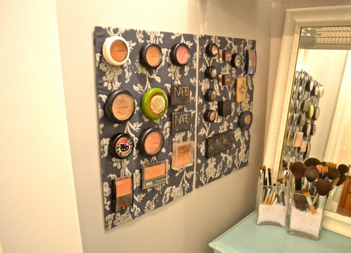 Magnetic Fabric Wall Makepup Storage