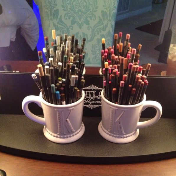 Mugs used for makeup pencil storage