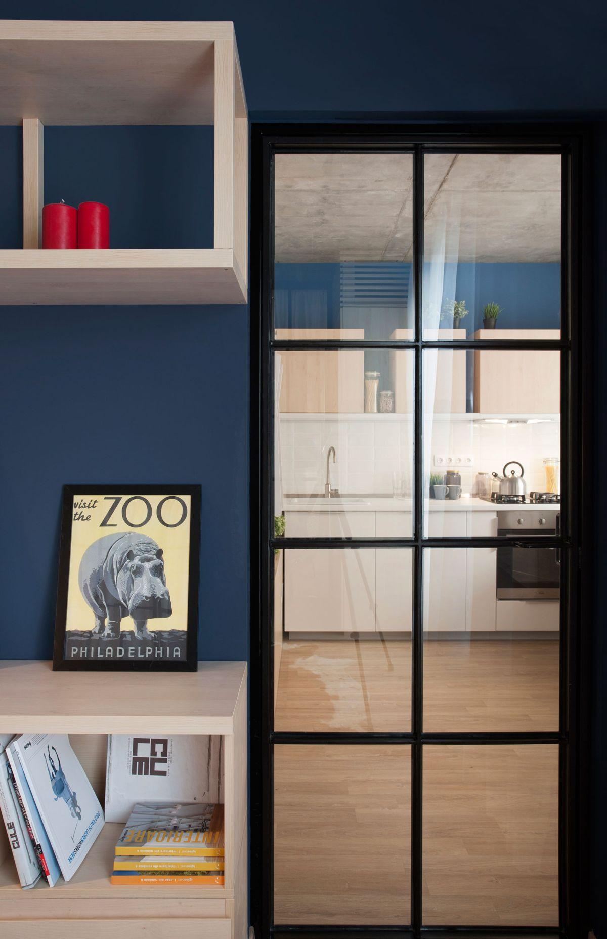 No.3 apartment kitchen glass door