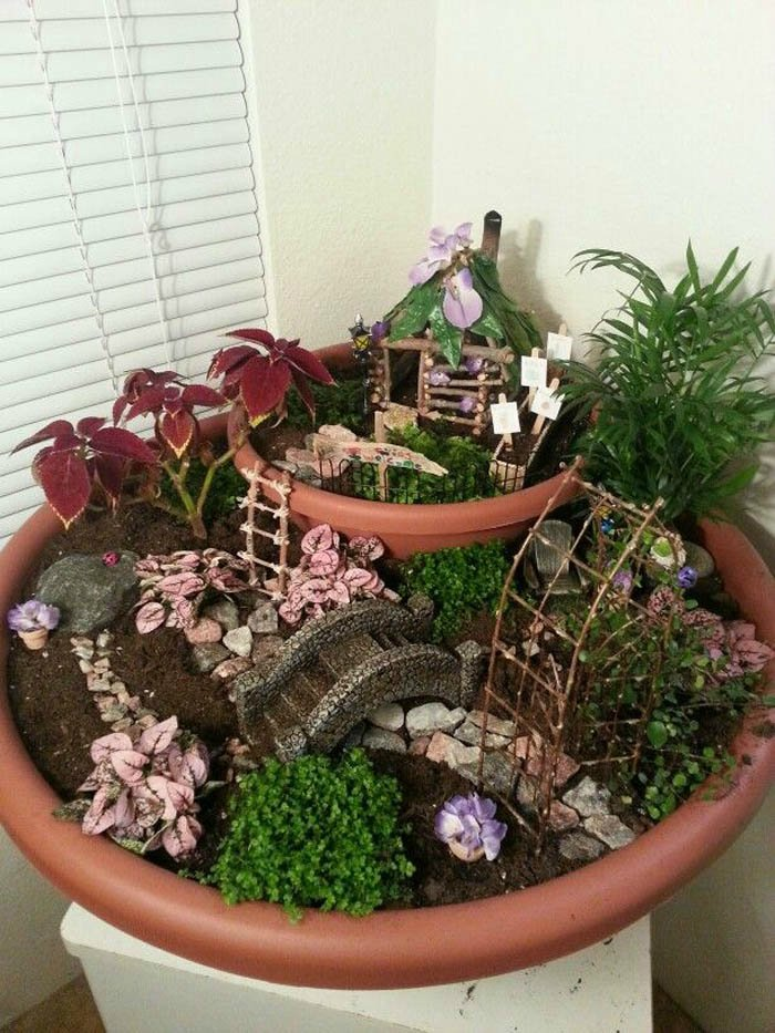 13 tips to create a fairy garden your kids will love for Fairy garden box ideas