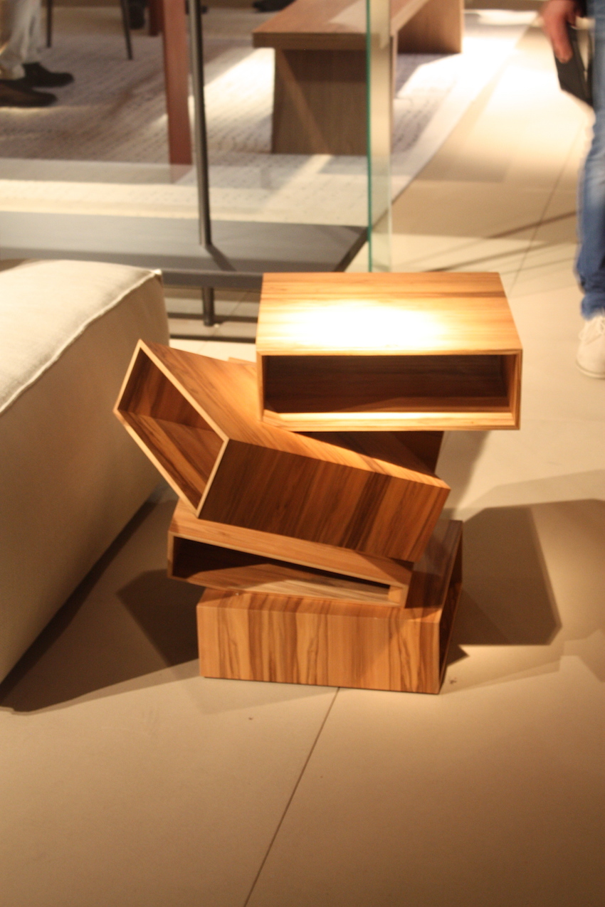 Porro box table