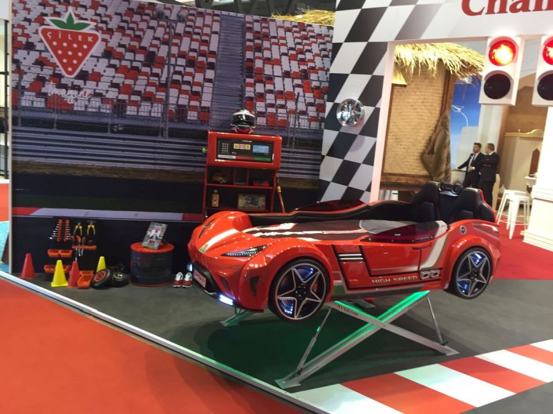 Race car bed in red