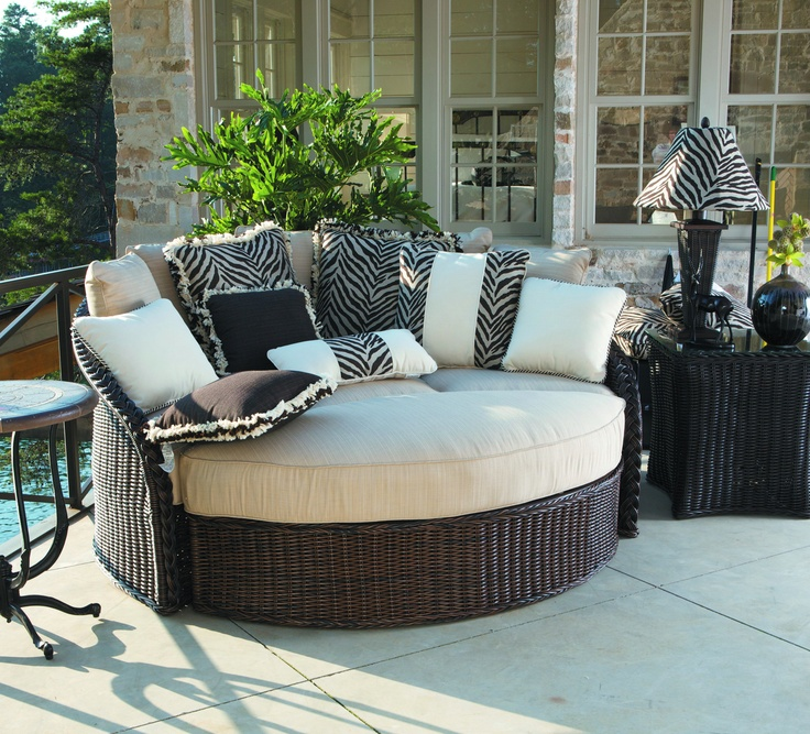 Charming Rattan Porch Bed In Round