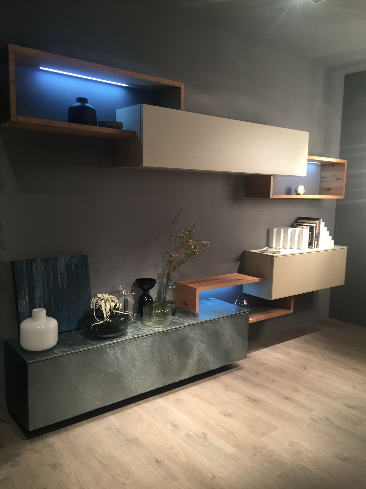 Shelves with light and consoles for media u