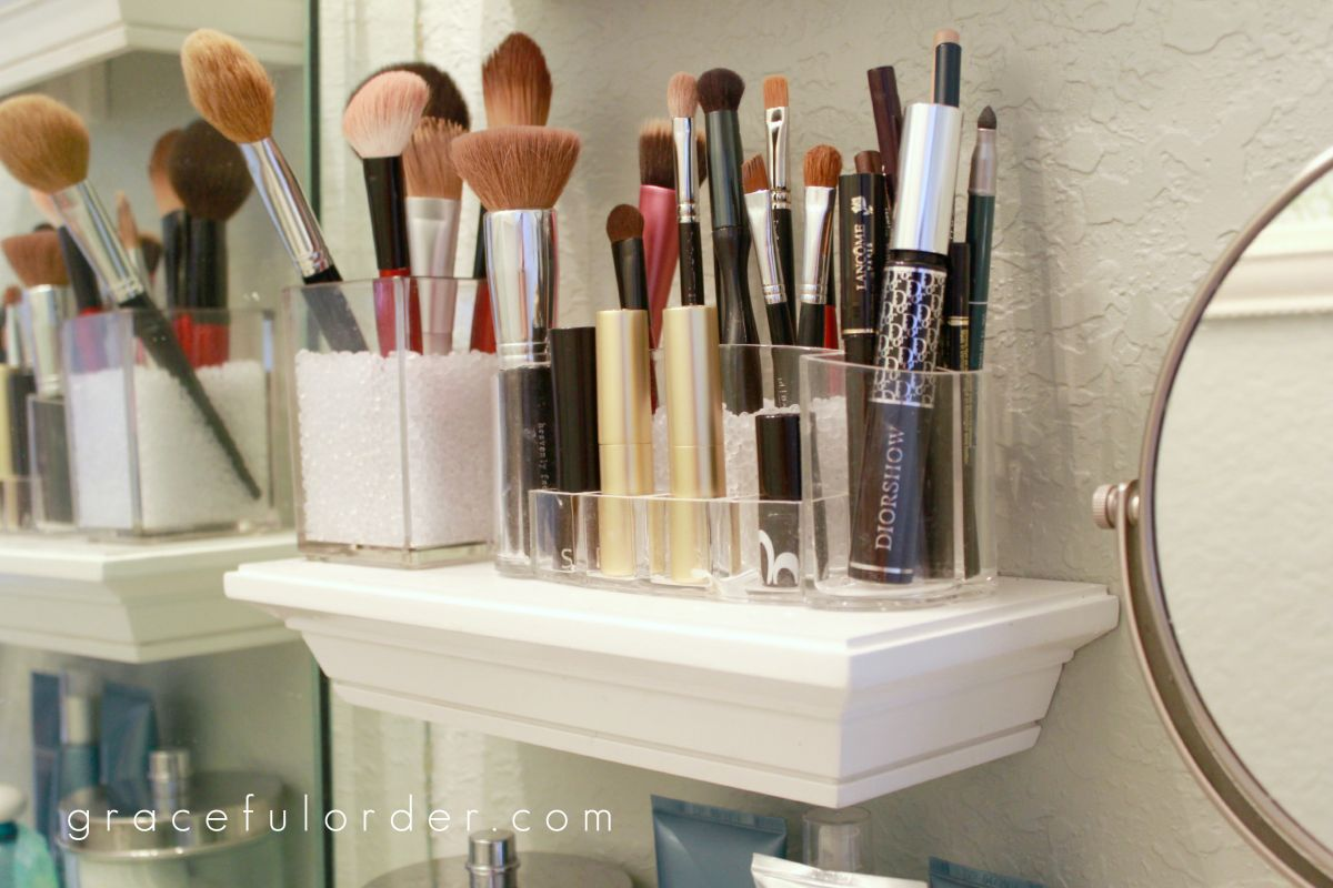 Great Small Shelves In Bathroom For Makeup Brushes Storage