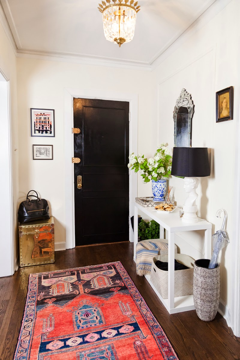 Storage entry table