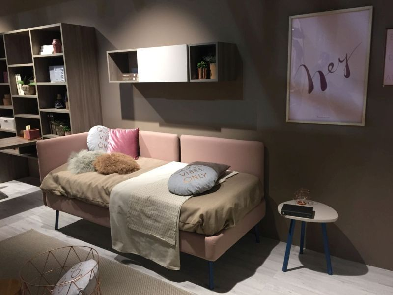 Teenage daybed area
