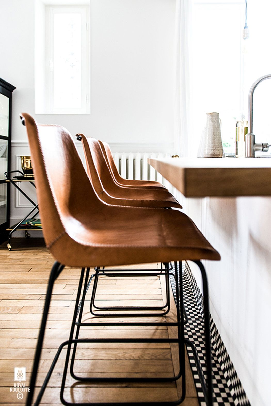 Surprising 5 Leather Chairs That Your Home Needs Short Links Chair Design For Home Short Linksinfo