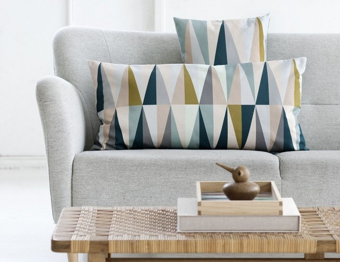 Throw pillows with a geometric pattern