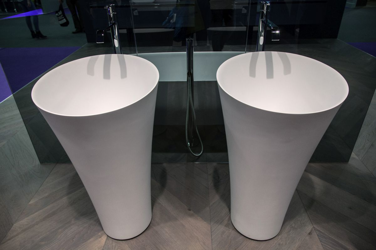 Tuba freestanding washbasin from antonio lupi