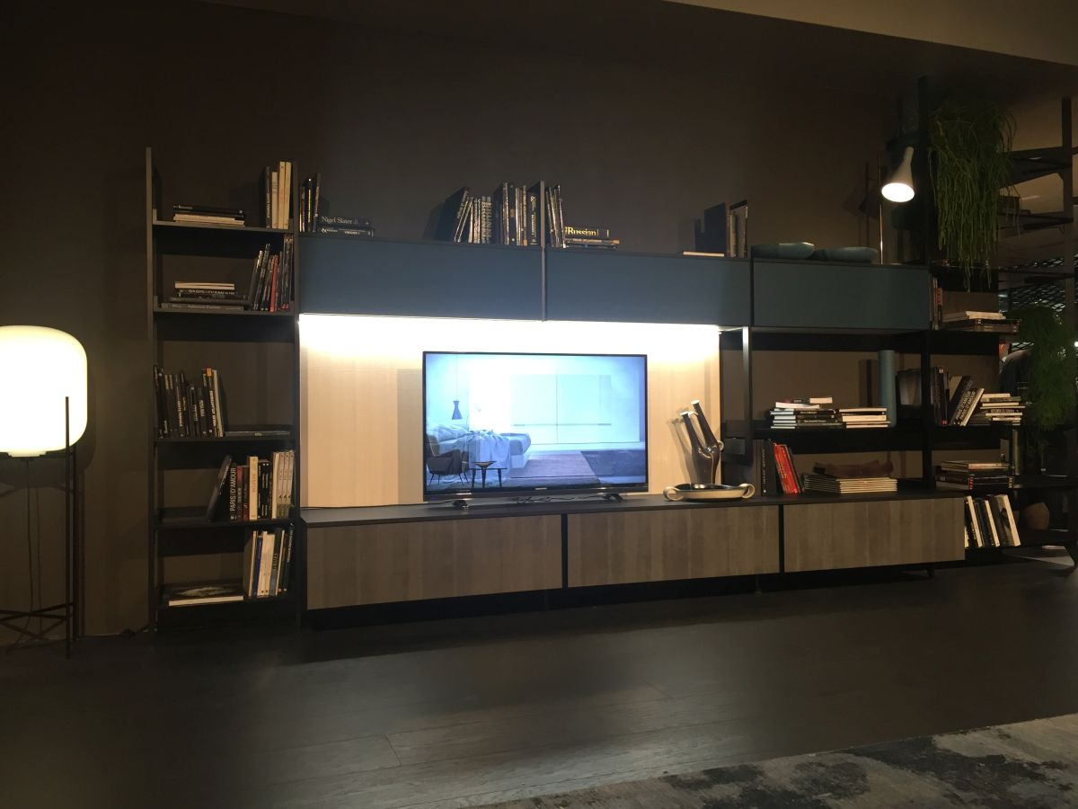 Wall TV system with storage spaces