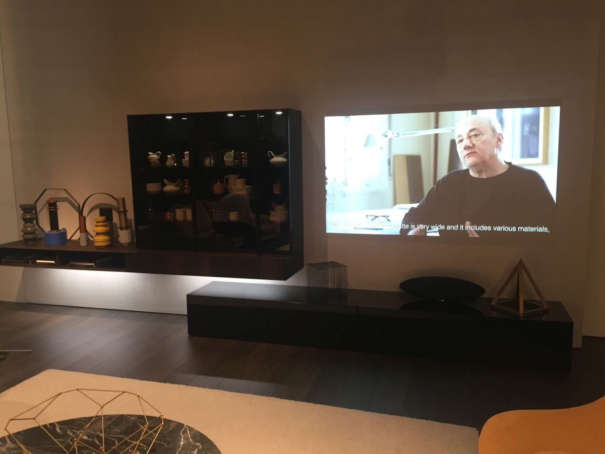 Wall unit designed for video projector