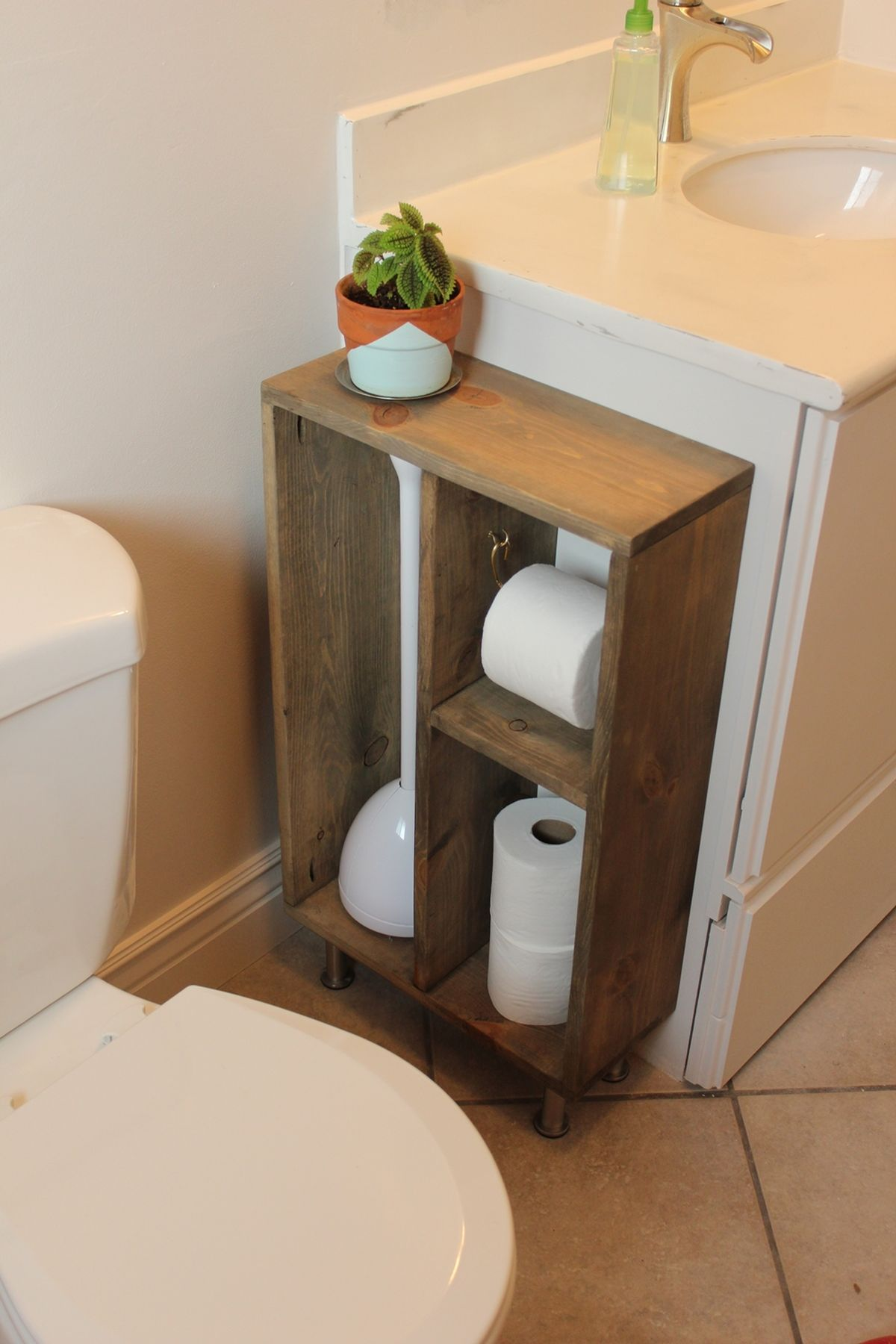 Wood storage for bathroom paper