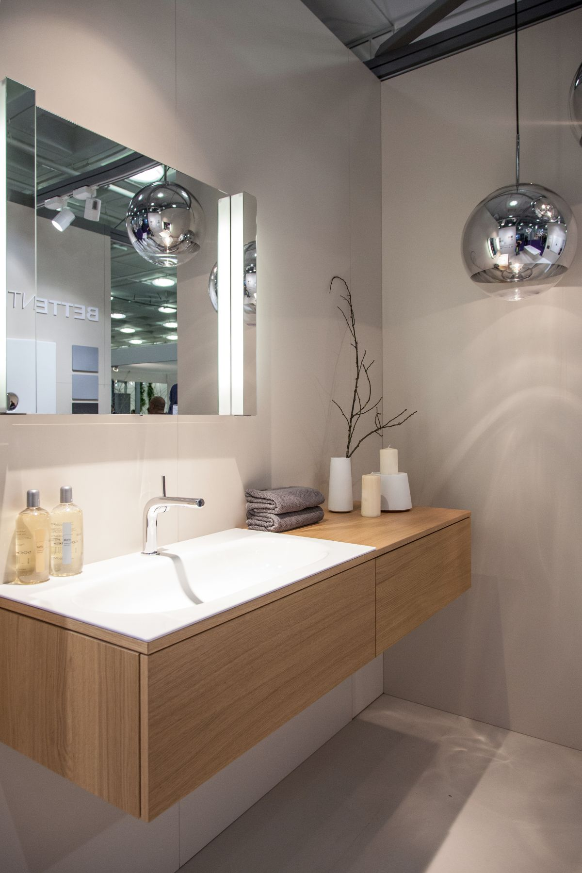 Light Wood Vanities For Bathrooms stylish ways to decorate with modern bathroom vanities