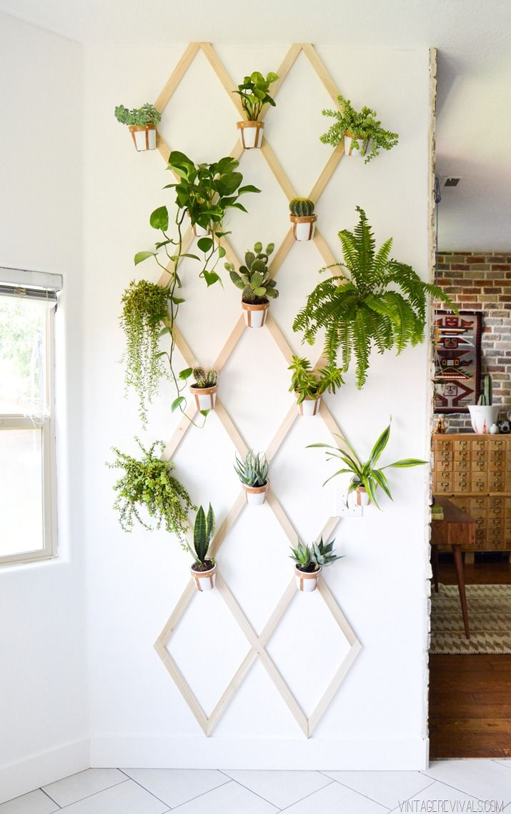 16 diy wall planters teach you how to greenify your home for Pot mural exterieur