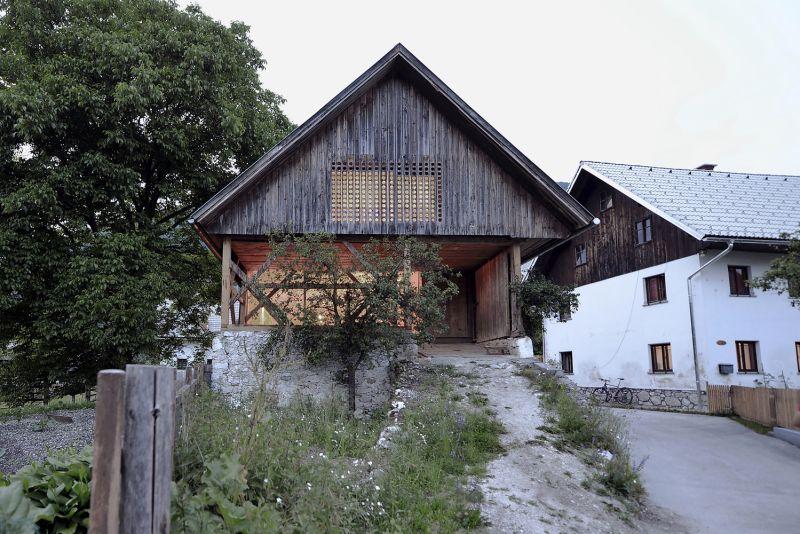 Alpine Barn Apartment Design Exterior