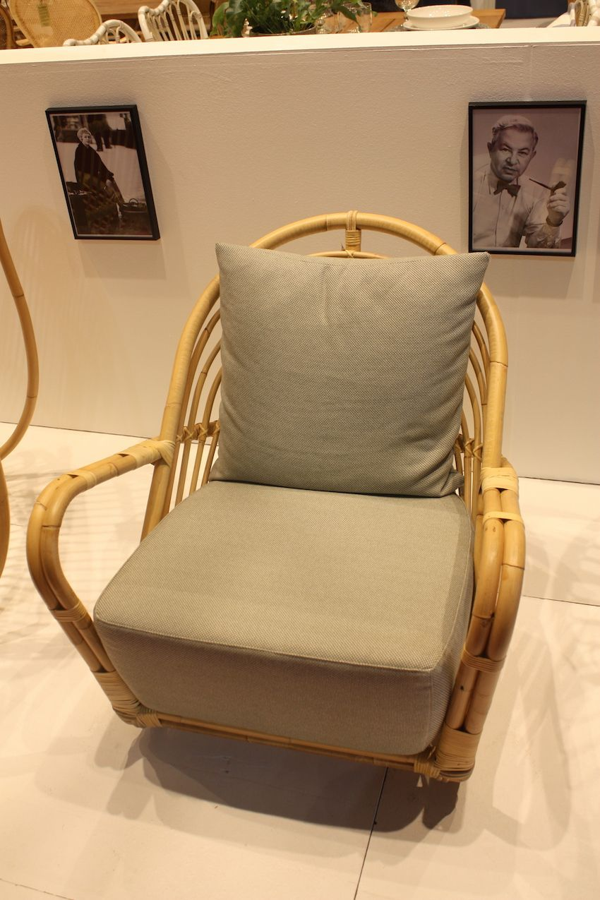 We love the rounded lines of this Alu-Rattan outdoor chair from Sika. It evokes a truly tropical feel.