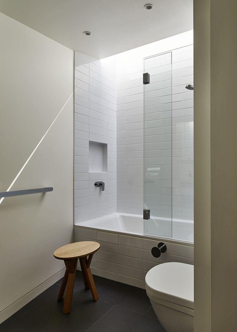 Bower House bathroom tub