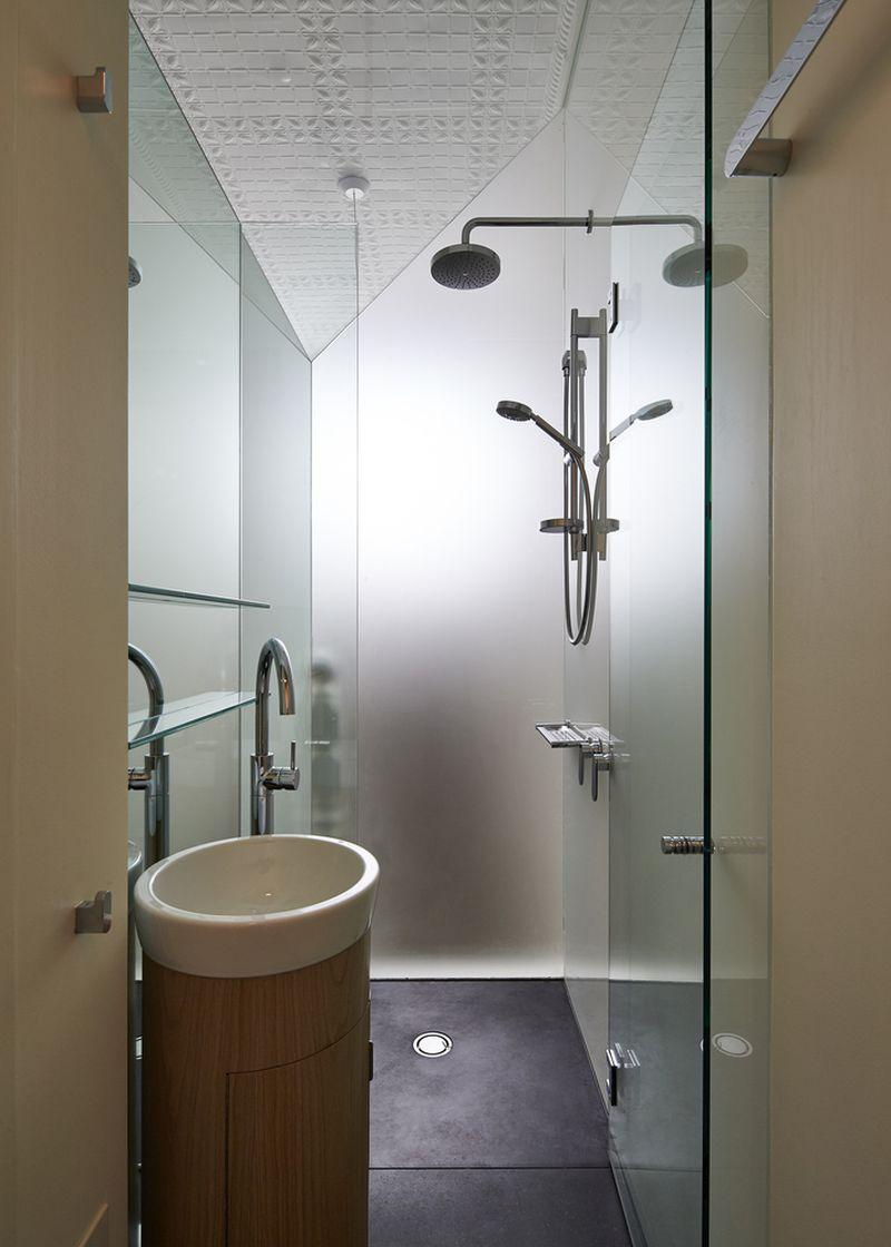 Bower House bathroom washbasin
