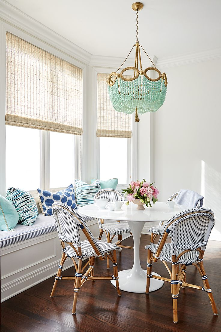 Breakfast nook chandelier3
