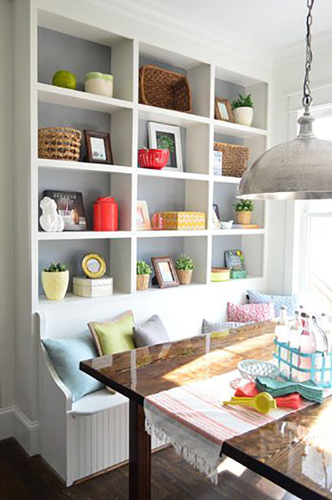 Breakfast nook storage2