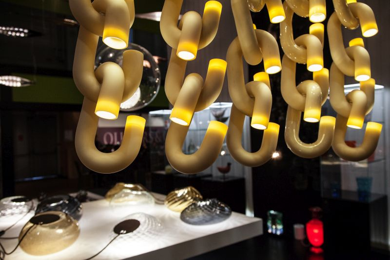Cauna chain lighting hanging