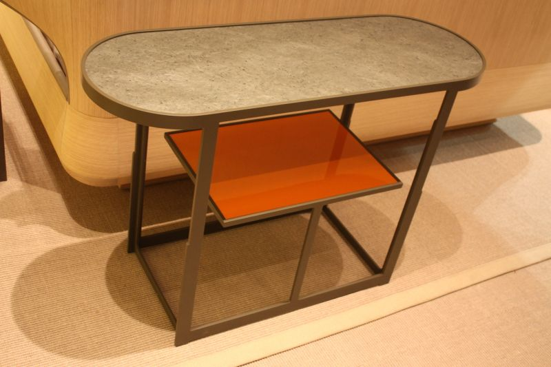 Chi wing side table