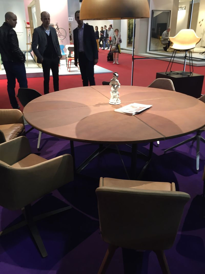Cool round dining table design