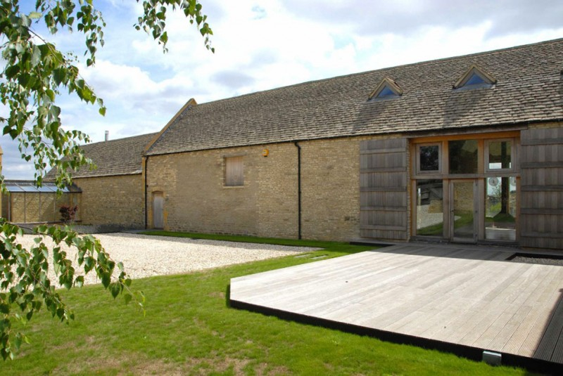 Cotswolds Barn Front