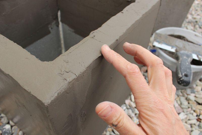 DIY Concrete Planters-corners and edges