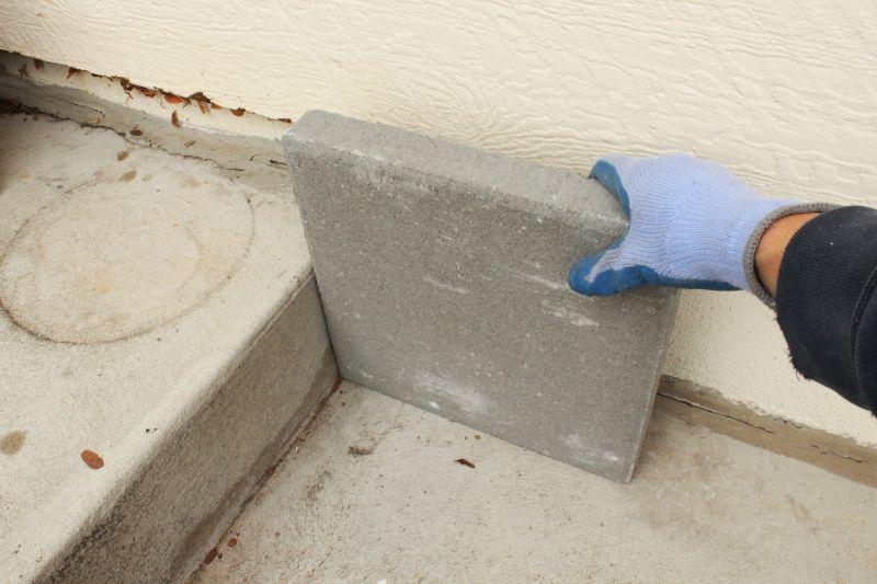 DIY Concrete Planters-measure the paver