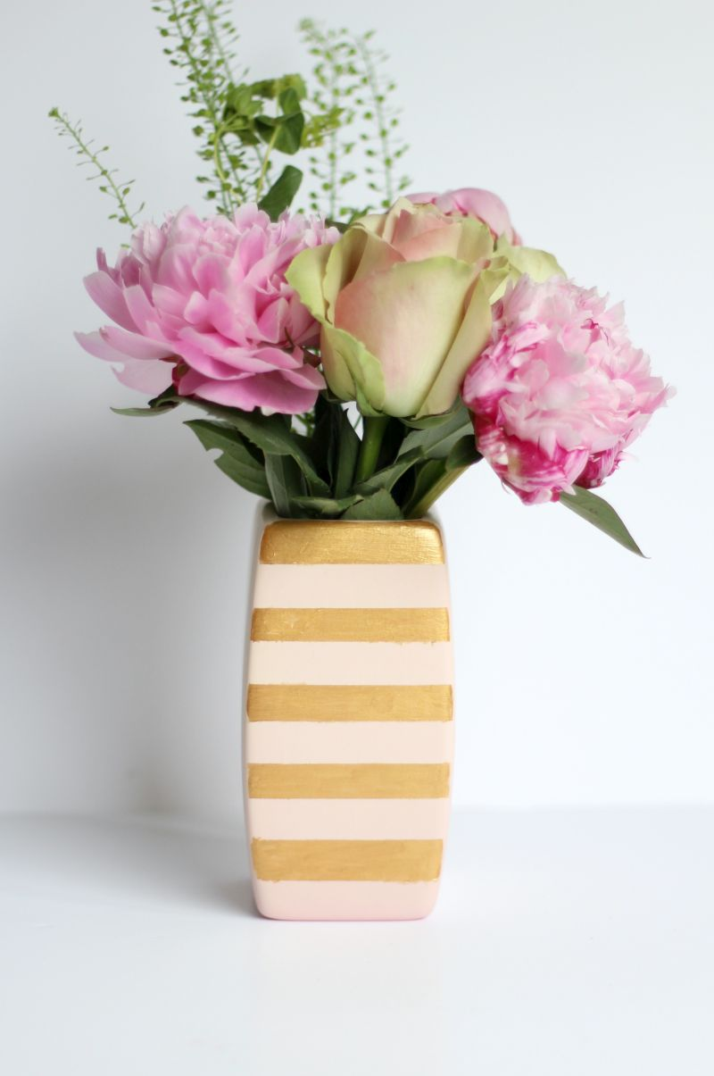 DIY Gold Stripe Vase Flowers