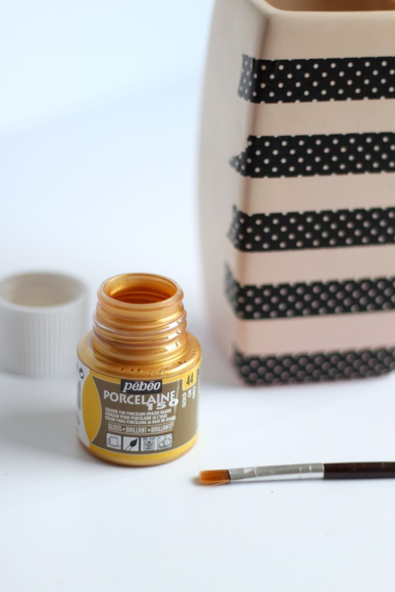 DIY Gold Stripe Vase paint