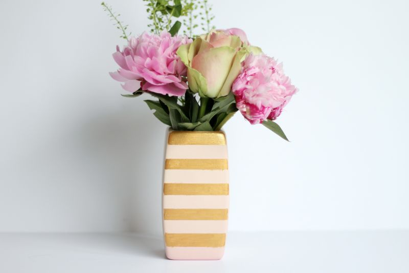 DIY Gold Stripe Flower Vase Images