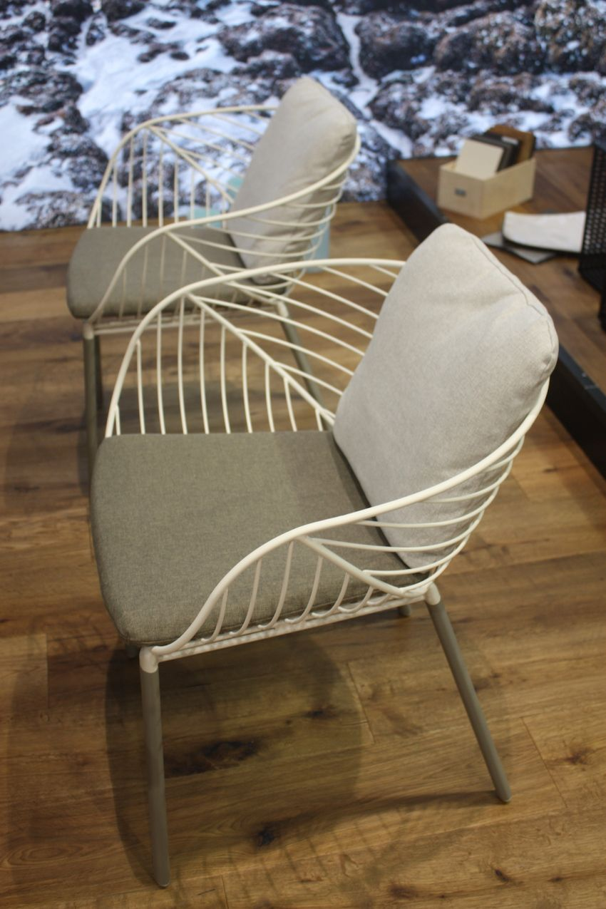 Called the Almond Chair, Fischer Moebil's outdoor dining chair actually reminds us of the vein pattern in an elegant leaf. They are fun and uncomplicated -- an easy addition to your outdoor living space.
