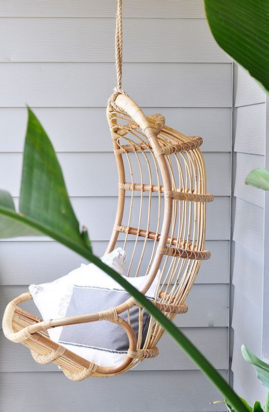 Hanging chair for balcony