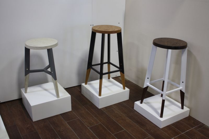 This trio of attractive stools is from Hendo. The wood and metal come in various customizable combinations. Hendo creates pieces for residential and commercial customers, including having made tables for the headquarters of Easy.