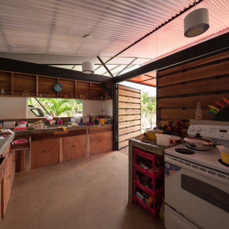 House V kitchen