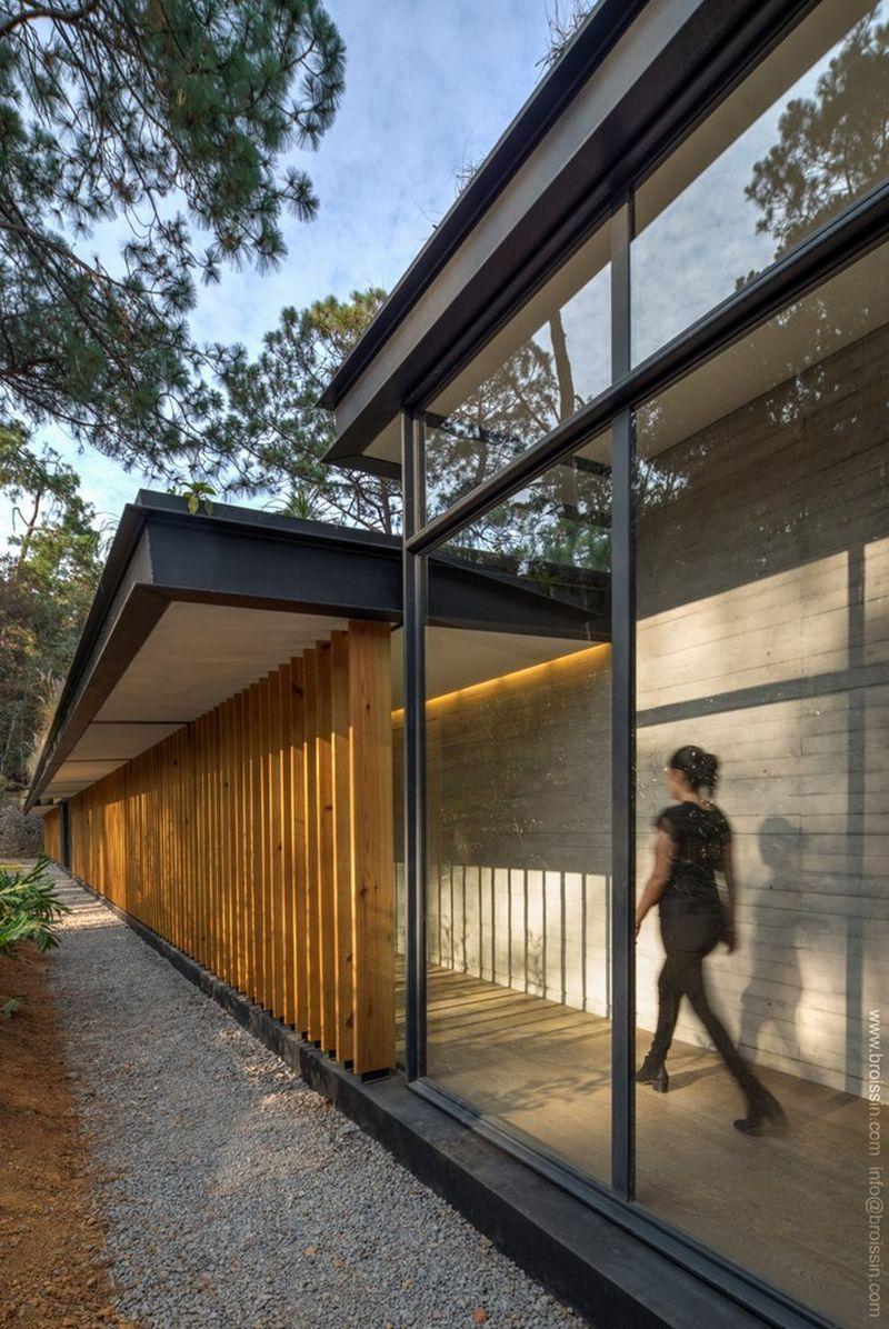 Irekua Anatani House hallway