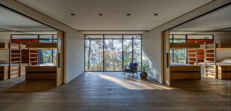 Irekua Anatani House indoor sliding doors