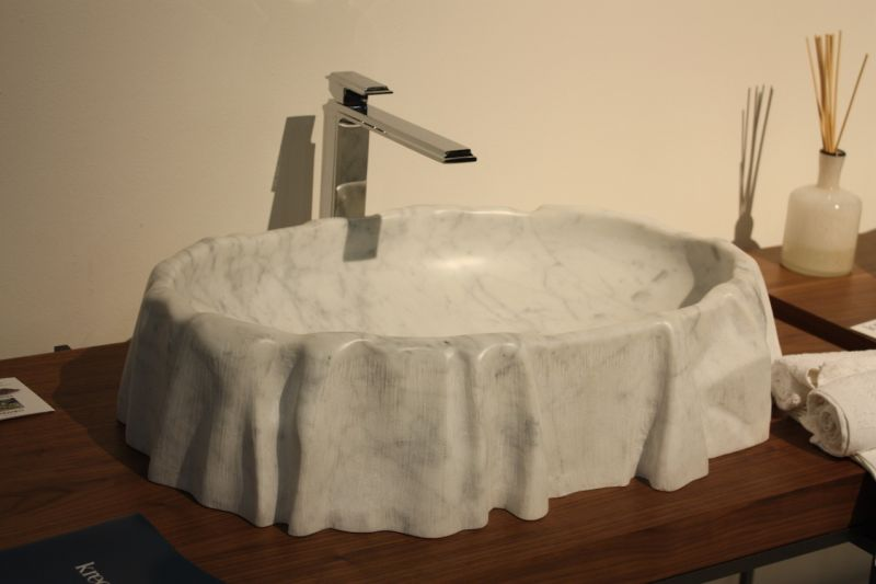 You can always count on Kreoo to have a stunning marble basin design and they did not let us down. The Nami washbasin looks as if it is draped with a marble cloth. The realistic folds around the basin are so realistic.