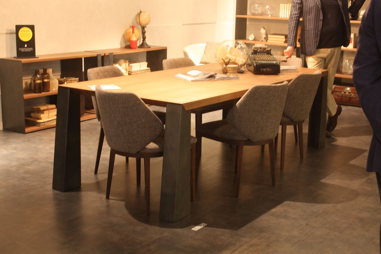 This Dining Set From Maxdivani Includes Stylish Wood And Tweed Chairs That Are Versatile Enough