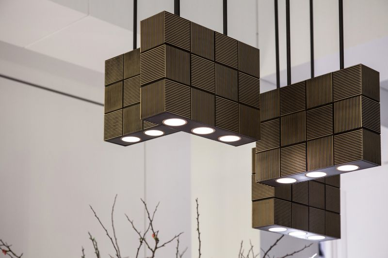 Modern pendant lighting fixture