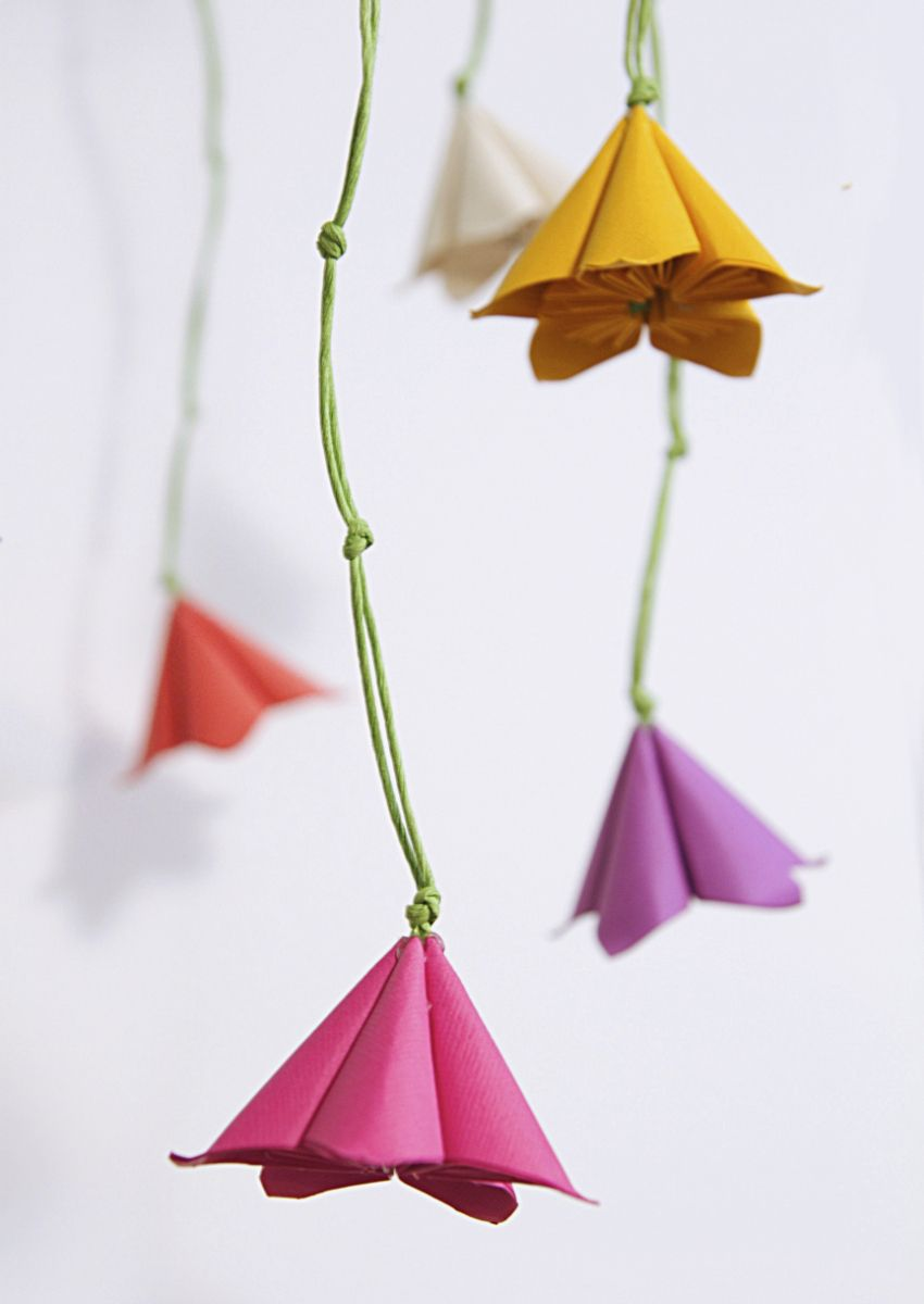 Paper Floral Mobile Tutorial for Nursery room