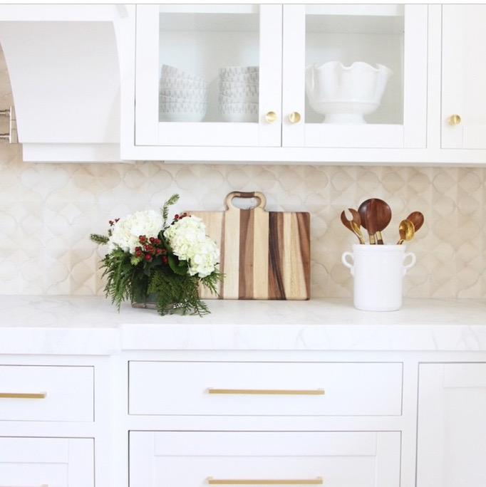 Pattern and texture backsplash